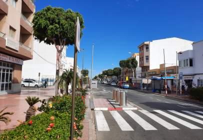 Piso en Avenida de las Canarias, 414, cerca de Calle Cano