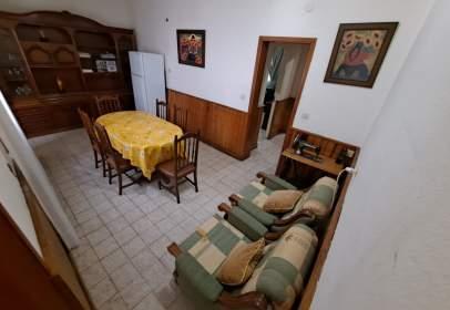 Edifici a calle San Salvador, prop de Calle Virgen de la Luz