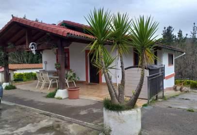 Casa en Barrio de Mendiondo
