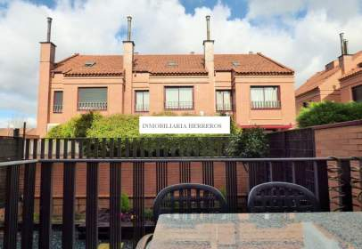 Casa unifamiliar a Avenida de Madrid