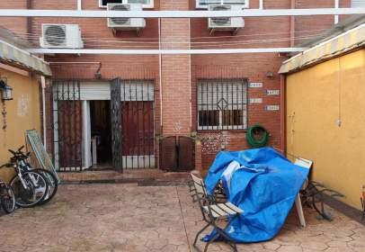 Casa adossada a calle Gavilanes