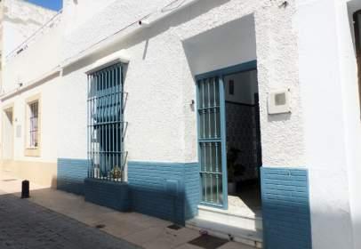 Casa en calle del Doctor Tolosa Latour, cerca de Calle del Castillo