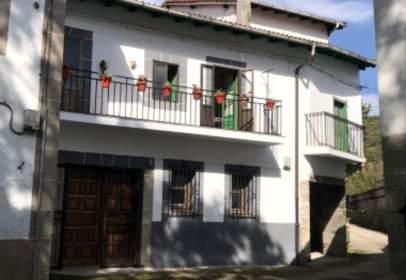House in Irús de Mena