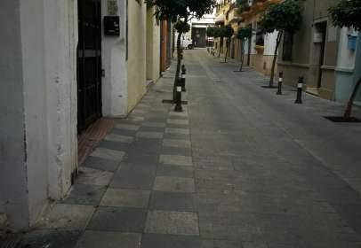 Almacén en calle San Juan