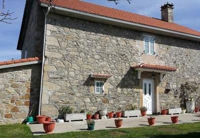 House in calle Guimarei