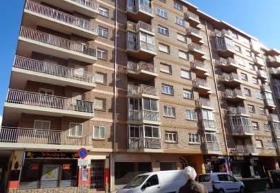 Flat in calle Avenida Aragón