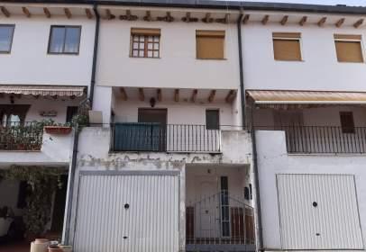 Casa adossada a calle Alcalde Baldomero Redondo