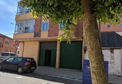 Garatge a calle del Mirlo, prop de Camino Viejo del Polvorín