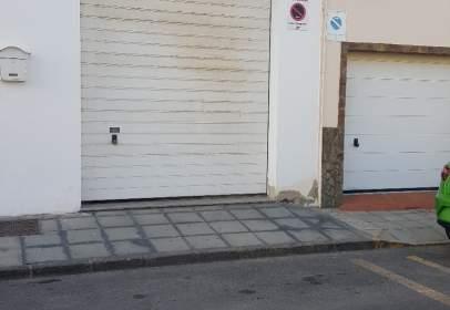 Almacén en calle Claudio Toledo