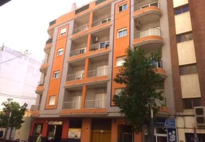 Pis a calle de Ramón Gallud, prop de Calle Zoa