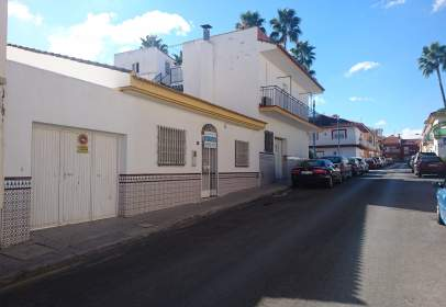 Single-family house in Avenida de la Constitución, 13