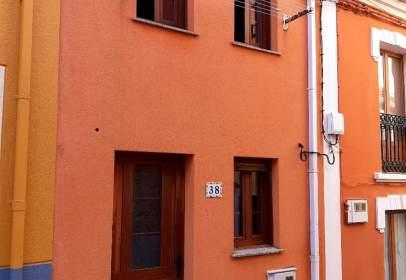 Casa adosada en calle de Santos