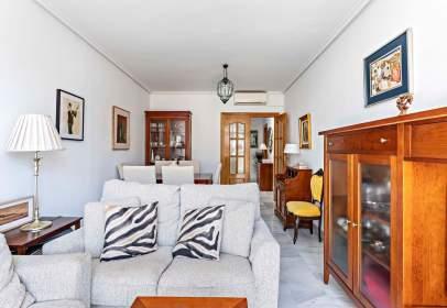 Apartament a calle de la Almedina, 13