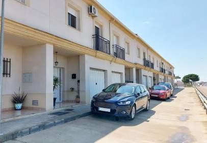 Casa pareada en Avenida de Extremadura, 88, cerca de Calle Diego de Alvarado