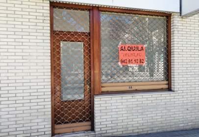 Local comercial en calle de Bartolomé de Urdinso, nº 4