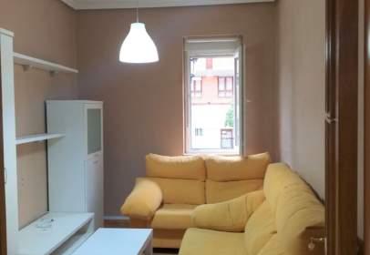 Apartament a Avenida de Torrelavega, nº 51
