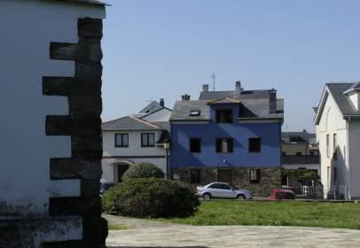 Casa aparellada a Tapia de Casariego