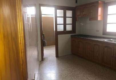 Apartamento en calle Isaac Albeniz, nº 7