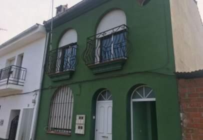 Casa adosada en calle Zurbaran, nº 16