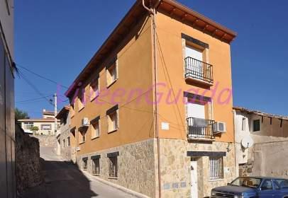 Casa pareada en calle Soledad