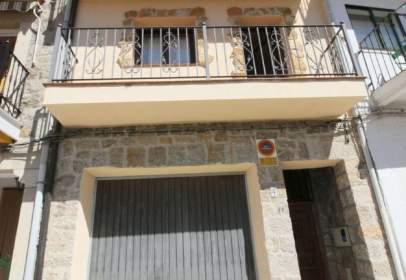 Casa adosada en calle Miguel de Cervantes, nº 4