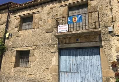 Casa adossada a calle de Ramón y Cajal, nº 12