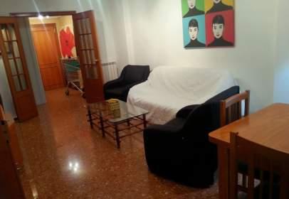 Apartamento en calle de Campoamor, cerca de Carrer de l' Alguer
