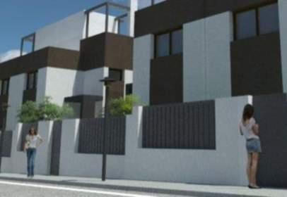 Casa adosada en calle de la Sirena
