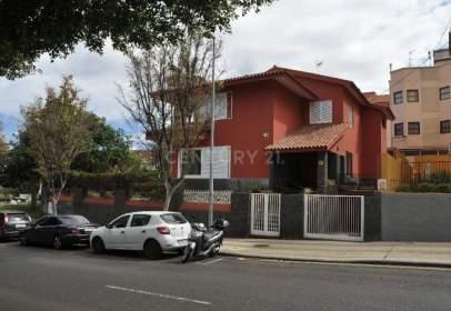 Casa en Avenida de Benito Pérez Armas, 41