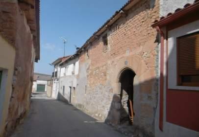 Casa pareada en calle Palacio, nº 12