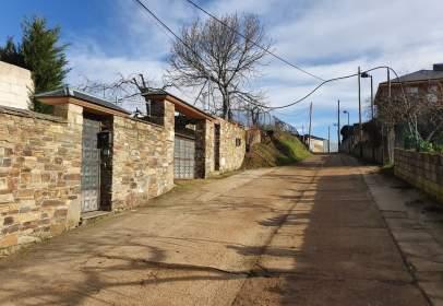 Casa adossada a calle del Pozo de Villa, nº 2