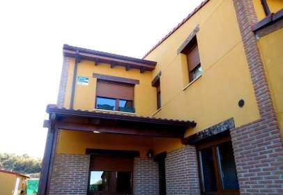 Casa aparellada a calle Antonio Machado