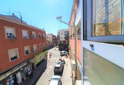 Apartamento en calle de Madridejos, cerca de Calle de Salasierra