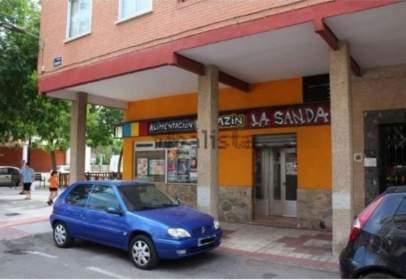 Local comercial en calle Burgos