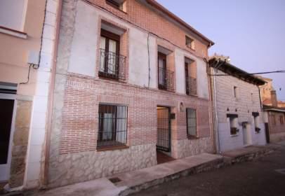 Casa pareada en calle de Caño