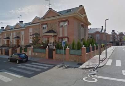 Casa adossada a calle Carreteros