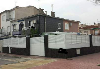 Casa adossada a Avenida Salamanca, nº 19