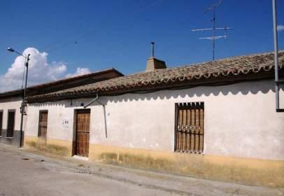 Casa aparellada a Garcihernández