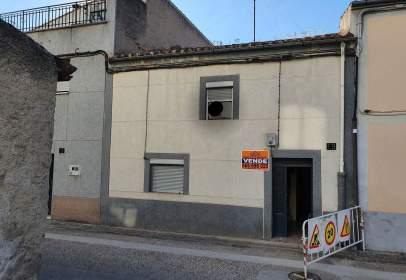 House in calle de José María del Hierro, 19, near Calle de la Libertad
