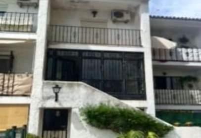Casas Y Chalets En Rio Real Distrito Las Chapas Marbella Pisos Com