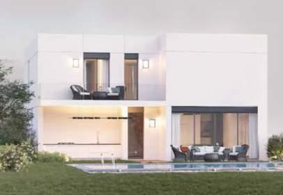 Terraced house in calle Mariano Benlliure, 43