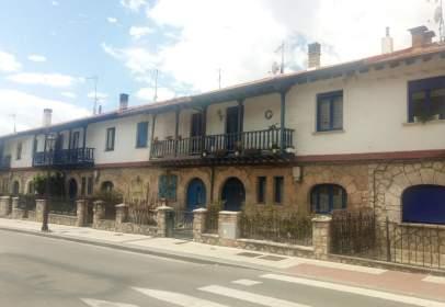 Casa aparellada a calle Francisco Salinas, Burgos