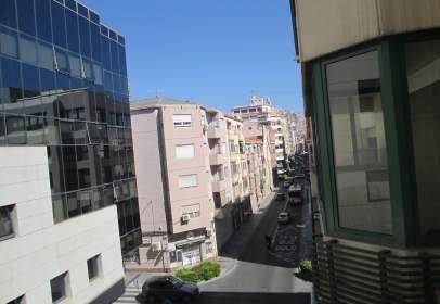 Apartamento en calle de los Reyes Católicos, nº 57