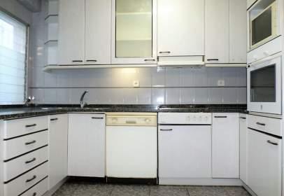 Apartament a Paseo de Teruel, 25