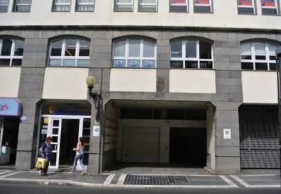 Garatge a calle Viera y Clavijo, nº 11