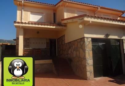 Casa adosada en calle Residencial Mirasierra, nº 12