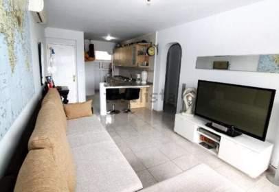 Apartament a calle Las Adelfas