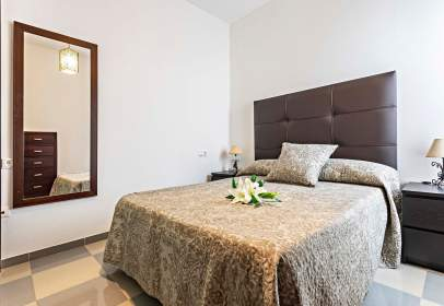 Apartment in calle Lucena, nº 22