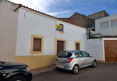 Casa adosada en calle Juan Pedro, 2
