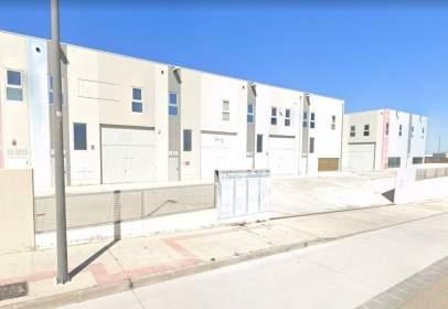Industrial building in Torrero - La Paz